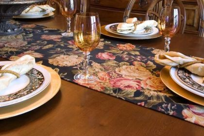 table runner decoration tips